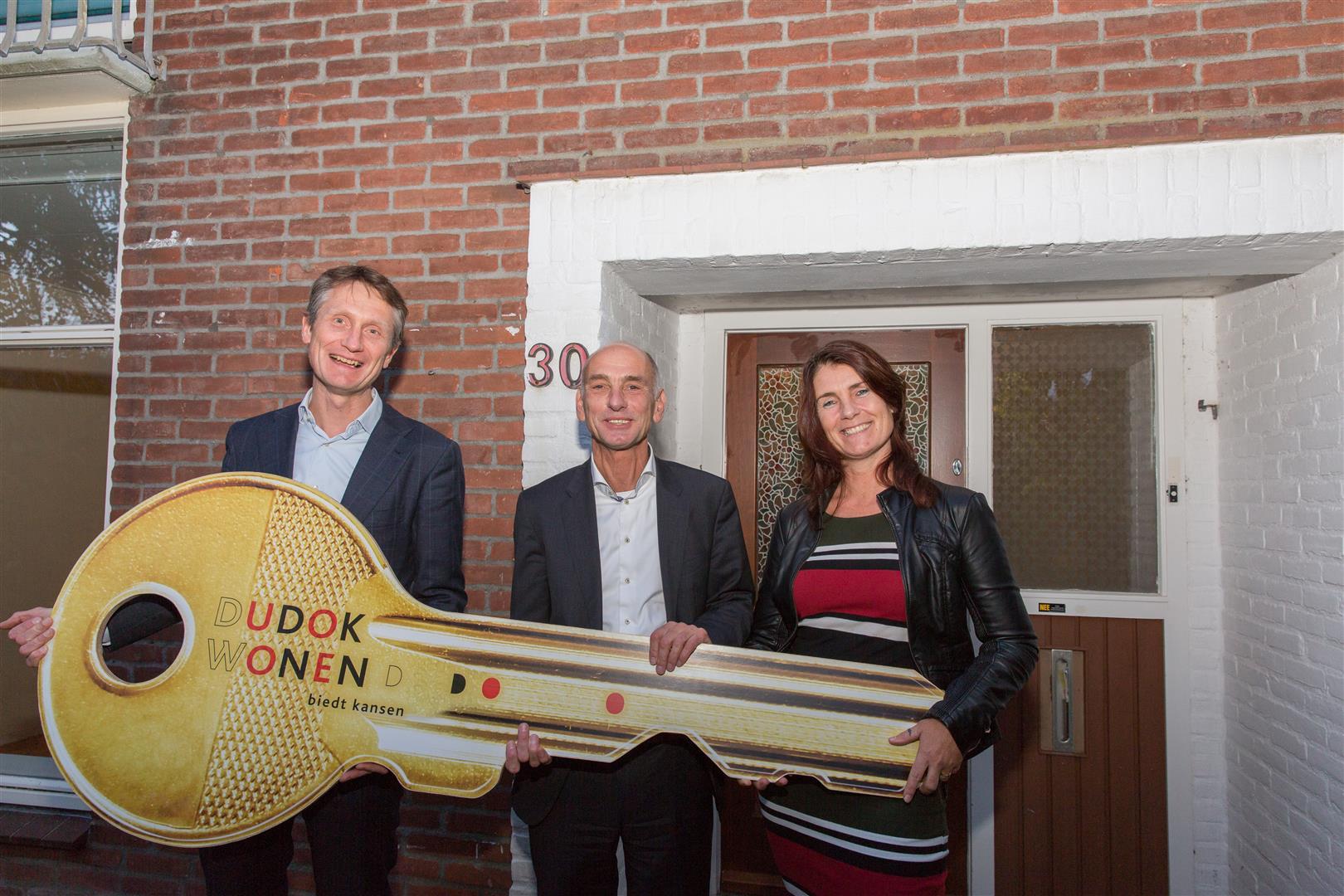 Harro Zanting (Dudok Wonen), Henri Gritter (Youké) en Sonja Hartkamp (RIBW) (Foto: Yvonne Hoefman)